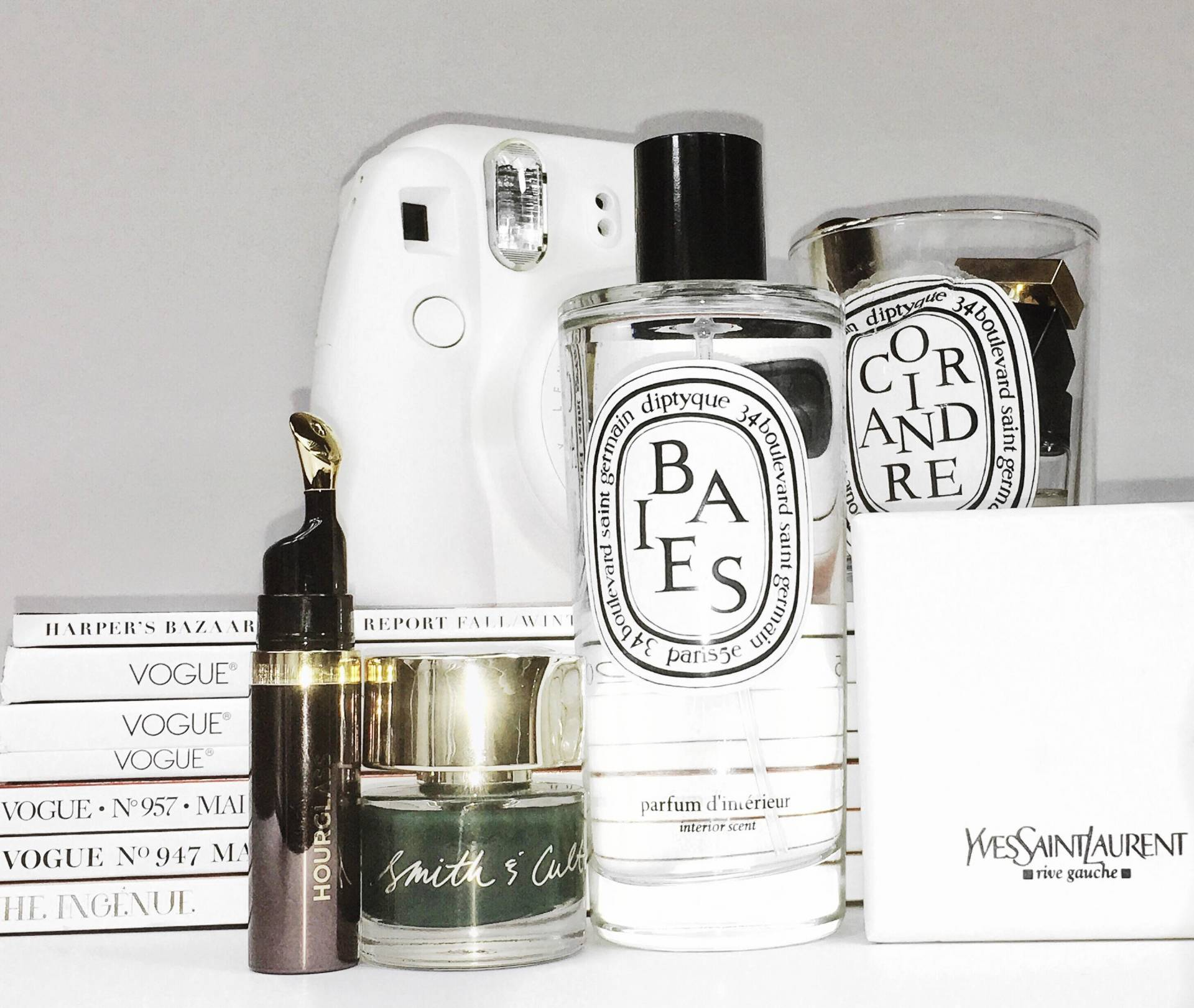 diptyque-baise-room-spray-smith-cult-darjeeling-darling-hourglass-lip-oil-2